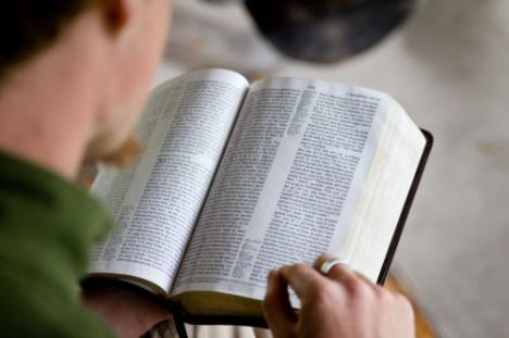Debatt om pastorsutbildningen