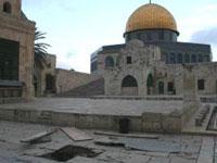 Tempelplatsen skakad av jordbävning